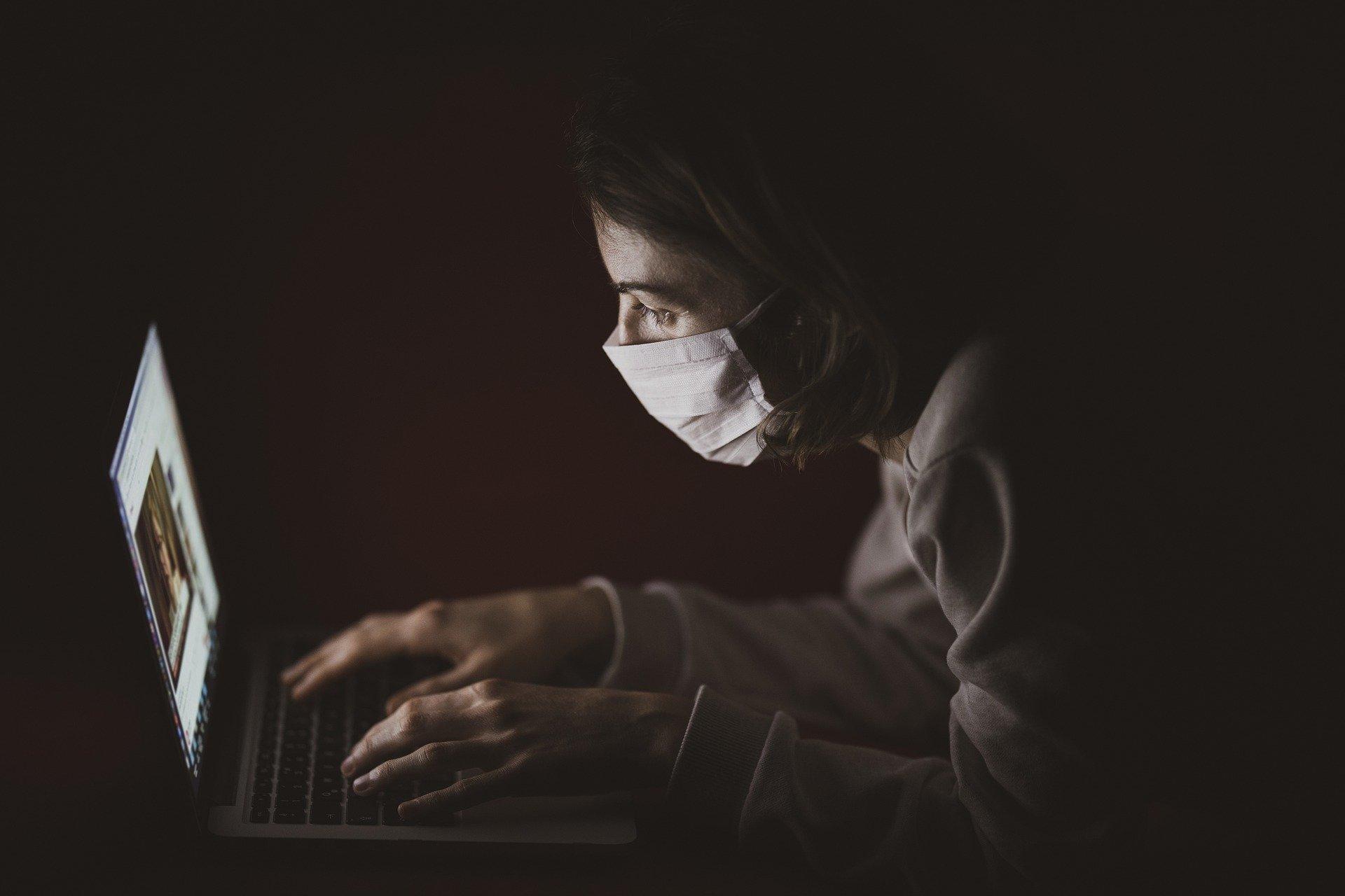 Informator  dla pracodawców w związku z organizacją pracy w warunkach rozprzestrzeniania się koronawirusa (SARS-CoV-2)